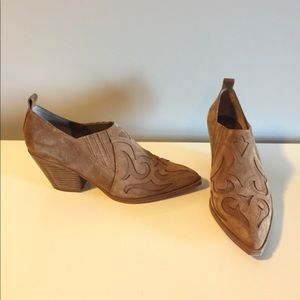 Marc Fisher Charly Tan Suede western booties